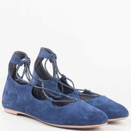 Равни пролетно- летни дамски обувки с интереснии връзки от естествен велур в син цвят на водещият немски производител Marco Tozzi 222131vs
