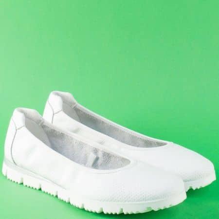 Равни дамски обувки от бяла естествена кожа- Marco Tozzi  222120b
