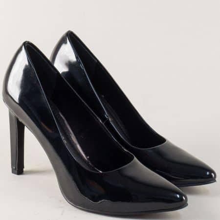 Елегантни дамски обувки Marco Tozzi в черно на висок ток 2222415lch