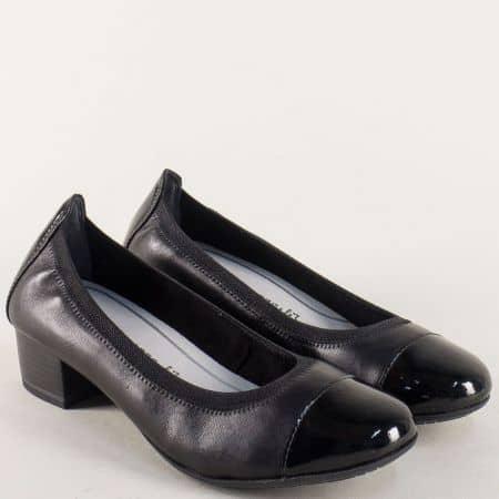Черни дамски обувки от естествена кожа и лак на среден ток 222307ch