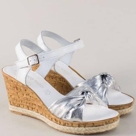 Кожени дамски сандали в бяло и сребро на платформа 2228372bsr