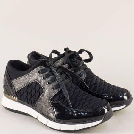 Спортни дамски обувки с връзки в черен цвят- Marco Tozzi 223726ch