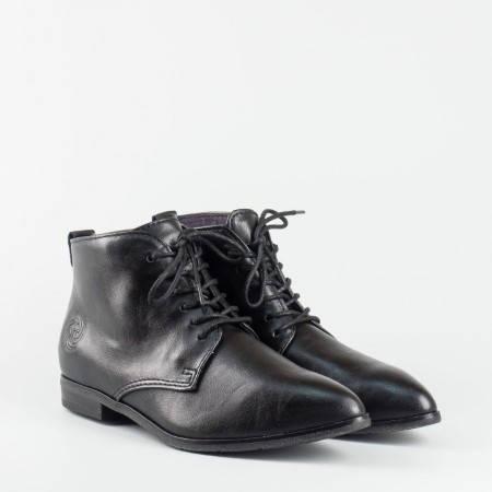 Дамски боти на немската марка Marco Tozzi в черен цвят с връзки 225109ch
