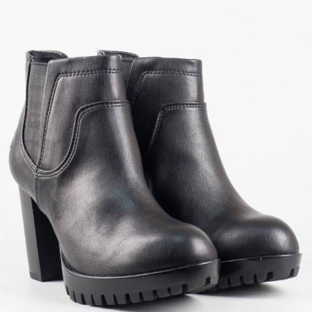 Черни дамски боти със стелка от мемори пяна в черен цвят на немската фирма Marco Tozzi 225431ch