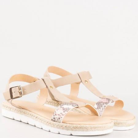Равни дамски сандали- Marco Tozzi от естествена бежова кожа със сребърен змийски принт 228620bj