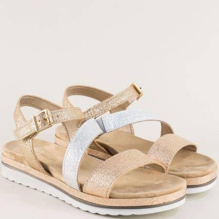 Равни дамски сандали в бяло и златисто- Marco Tozzi  228627ps