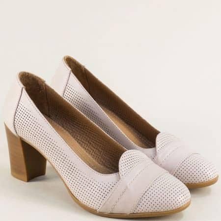 Кожени дамски обувки на висок ток с перфорация в бежов цвят 2296bj