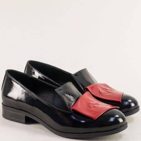 Лачени дамски обувки в червено и черно с кожена стелка 2229lchchv