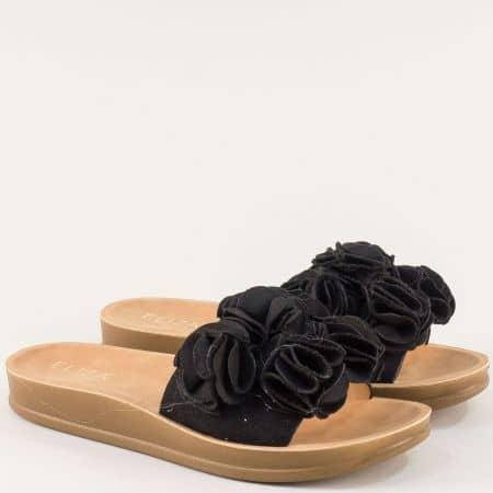 Равни дамски чехли с декорация в черен цвят- ELIZA 2371ch