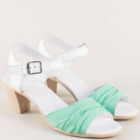 Кожени дамски сандали в зелено и бяло на среден ток 2391705bz