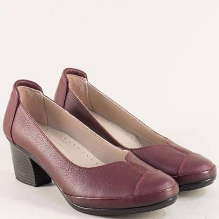 Кожени дамски обувки в цвят бордо на среден ток 2400bd