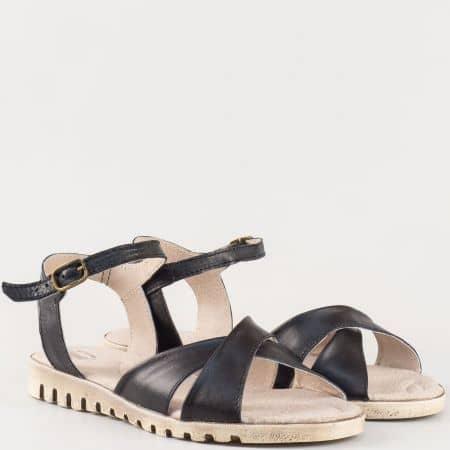 Практични дамски сандали в черен цвят изцяло от естествена кожа на равно ходило- български производител 24016121ch