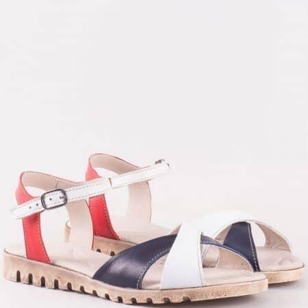 Актуални дамски сандали от естествена кожа в бяло, червено и синьо на равно ходило с кожена стелка- български производител 24016121tomi