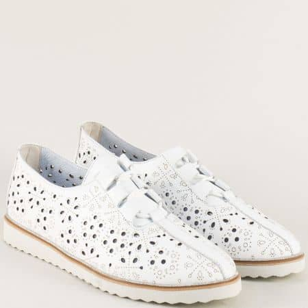 Бели дамски обувки с връзки, перфорация и кожена стелка 24211055b