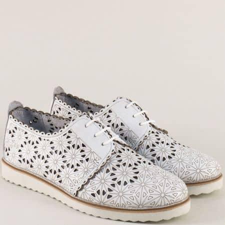 Бели дамски обувки от естествена кожа на равно ходило 24211133b