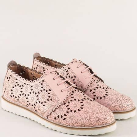 Перфорирани дамски обувки с връзки в розов цвят 24211133rz