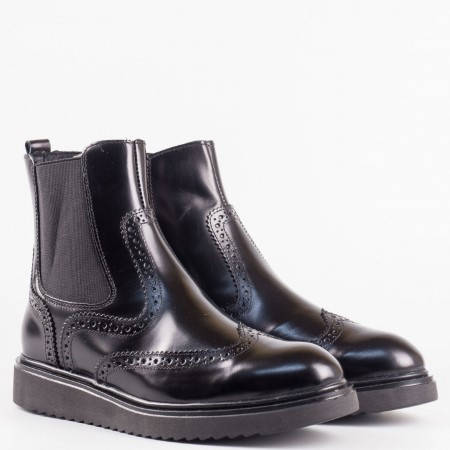 Дамски комфортни боти от висококачествена естествена кожа на български производител в черен цвят 2513lch