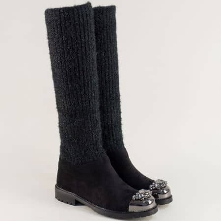 Дамски ботуши на нисък ток с декорация в черен цвят 2571961vch