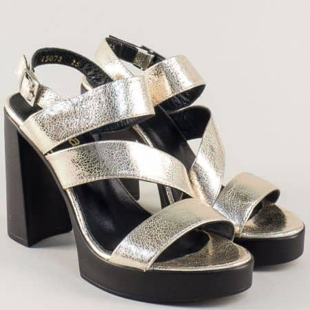 Дамски сандали в златисто на висок ток и платформа 25872zl