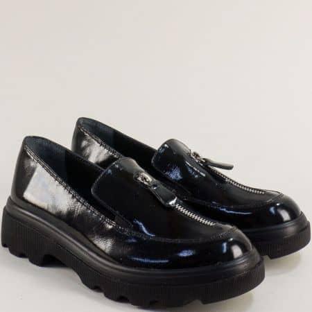 Дамски обувки от черен лак на платформа 258784lch