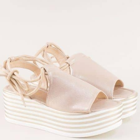 Златни дамски сандали на платформа с принт райе 2595303zl