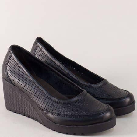 Черни дамски обувки на клин ходило с перфорация 2621707ch