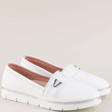 Бели дамски обувки с кожена ортопедична стелка и ластик 26814061b