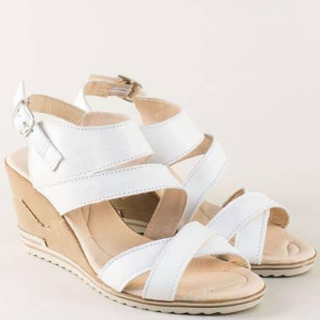 Бели дамски сандали от естествена кожа на клин ходило 26915462b