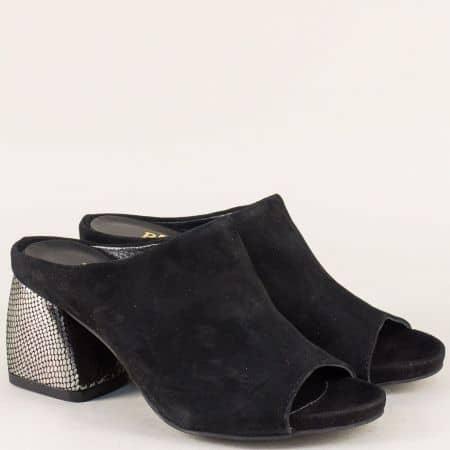 Стилен дамски чехъл от естесвен черен велур на масивен висок ток 27020vch