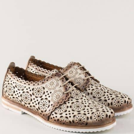 Кожени дамски обувки в бежов цвят с перфорация и връзки 285bj
