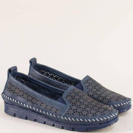 Кожени дамски обувки с перфорация в тъмно синьо 287ts