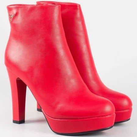 Модерни дамски боти на висок ток в червен цвят 2919chv