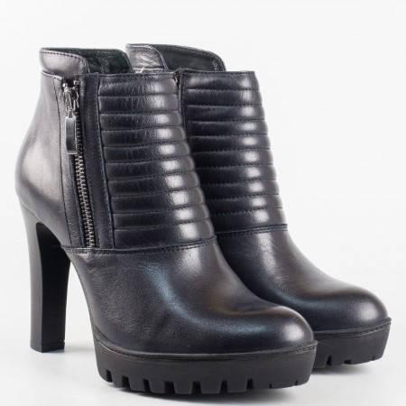 Дамски модерни боти от висококачествена естествена кожа на полския производител Carinii в черен цвят 2924ch