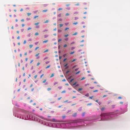 Детски гумени ботуши в розов цвят с грайфер и закачлив принт- български производител 301021-30rz