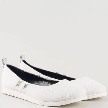Бели дамски спортни обувки на равно ходило-  GRAND ATTACK 30144-40b