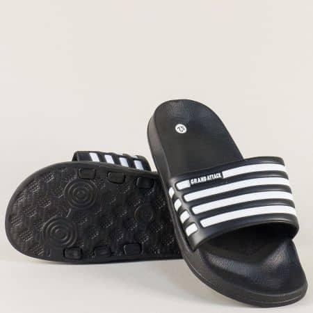 Мъжки джапанки в черен цвят с бели ленти на равно ходило 30120-45ch