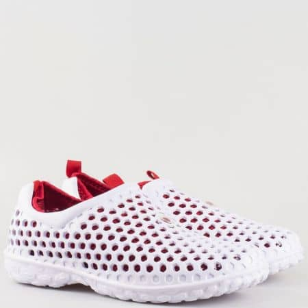 Мъжки летни маратонки с перфорация и текстилен хастар в бяло и червено 30124b