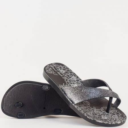 Дамски джапанки на удобно ходило с флорални мотиви в черен цвят 30142-40ch