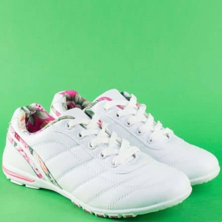 Дамски спортни обувки с връзки в розово и бяло 3022brz