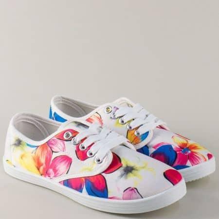 Спортни дамски обувки с цветен принт на равно ходило 30237-40b