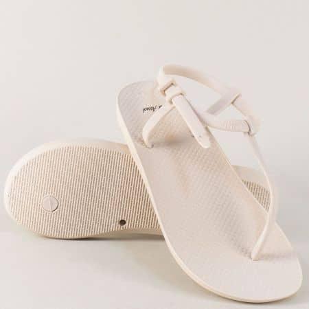 Бежови дамски сандали на равно и комфортно ходило  30254bj