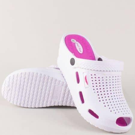 Леки дамски чехли в бяло и розово на комфортна платформа 30279rz