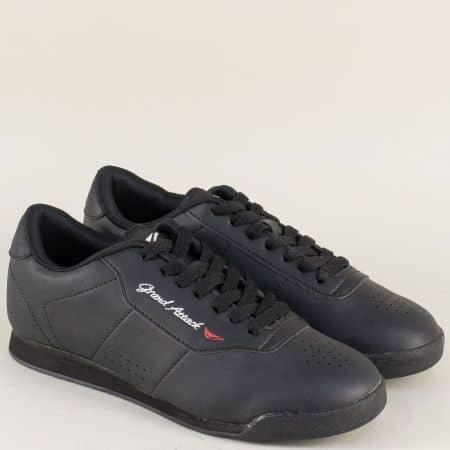 Дамски маратонки на удобно и леко ходило в черен цвят 30300-40ch