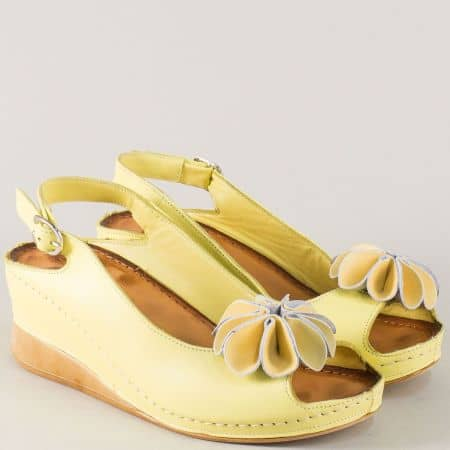 Жълти дамски сандали от естествена кожа на платформа  3031j