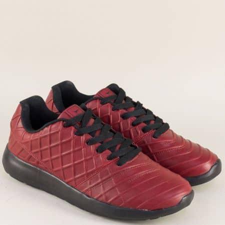 Мъжки маратонки в цвят бордо на равно ходило с връзки 30330-45bd