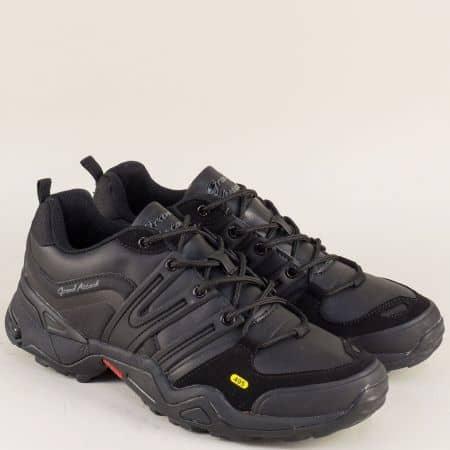 Мъжки маратонки в черен цвят на равно и комфортно ходило с връзки 30333-45ch