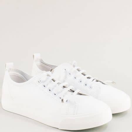 Бели дамски кецове с ластични връзки на равно ходило 30381-40b