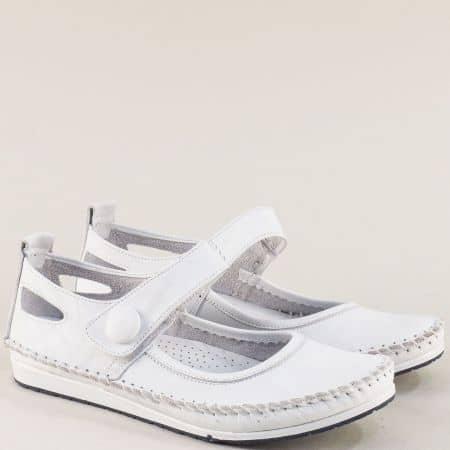 Бели дамски обувки с велкро лента от естествена кожа 3061010b