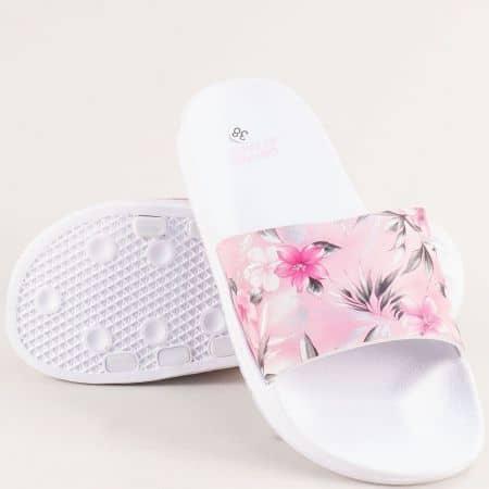 Равни дамски джапанки с флорален принт в бяло и розово- GRAND ATTACK 30727b