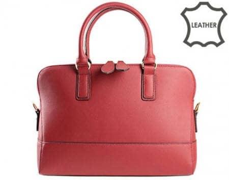 Стилна и удобна дамска чанта с моден италиански дизайн, изработена от висококачествена естествена кожа в червен цвят ch3092chv